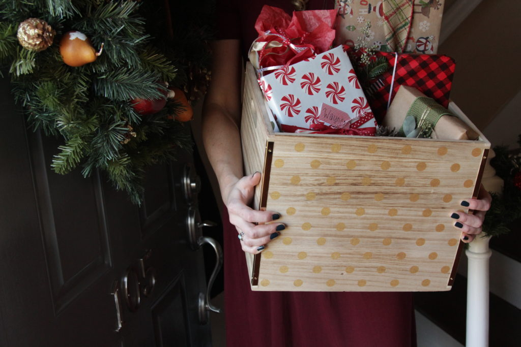 Hospitality Hints | Gift Wrap Party