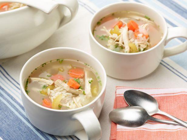 FN_Simple-Chicken-Soup_s4x3.jpg.rend.sni18col