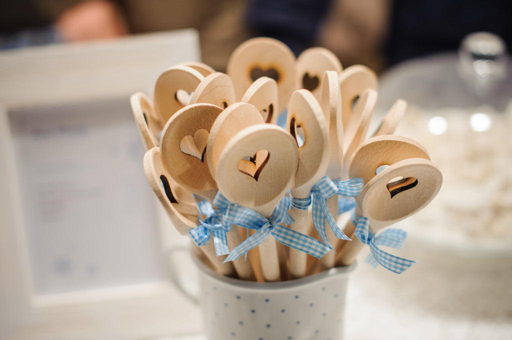 bunch of wooden spoons with heart motif